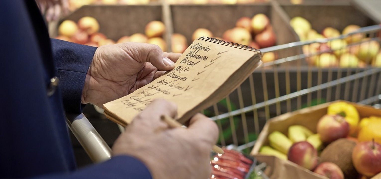 Einen gemeinsamen Einkaufsservice biet...dfeuerwehr und die Stadtverwaltung an.  | Foto: Seventyfour (Adobe Stock)
