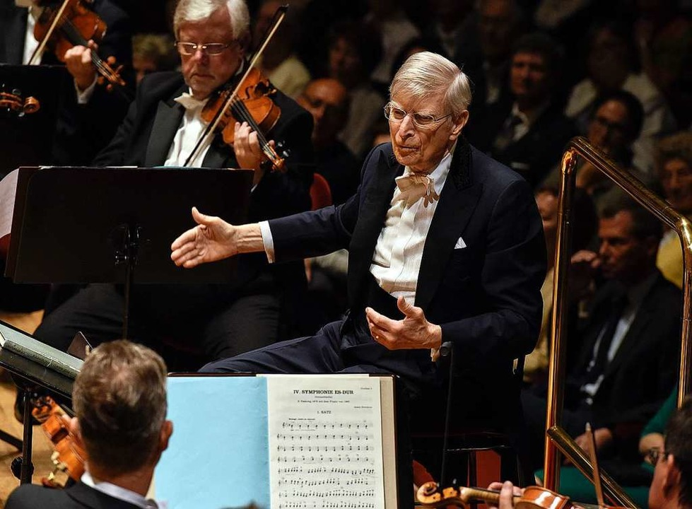 Musik- und Menschenkenner: der Dirigent Herbert Blomstedt  | Foto: Matthias Creutziger