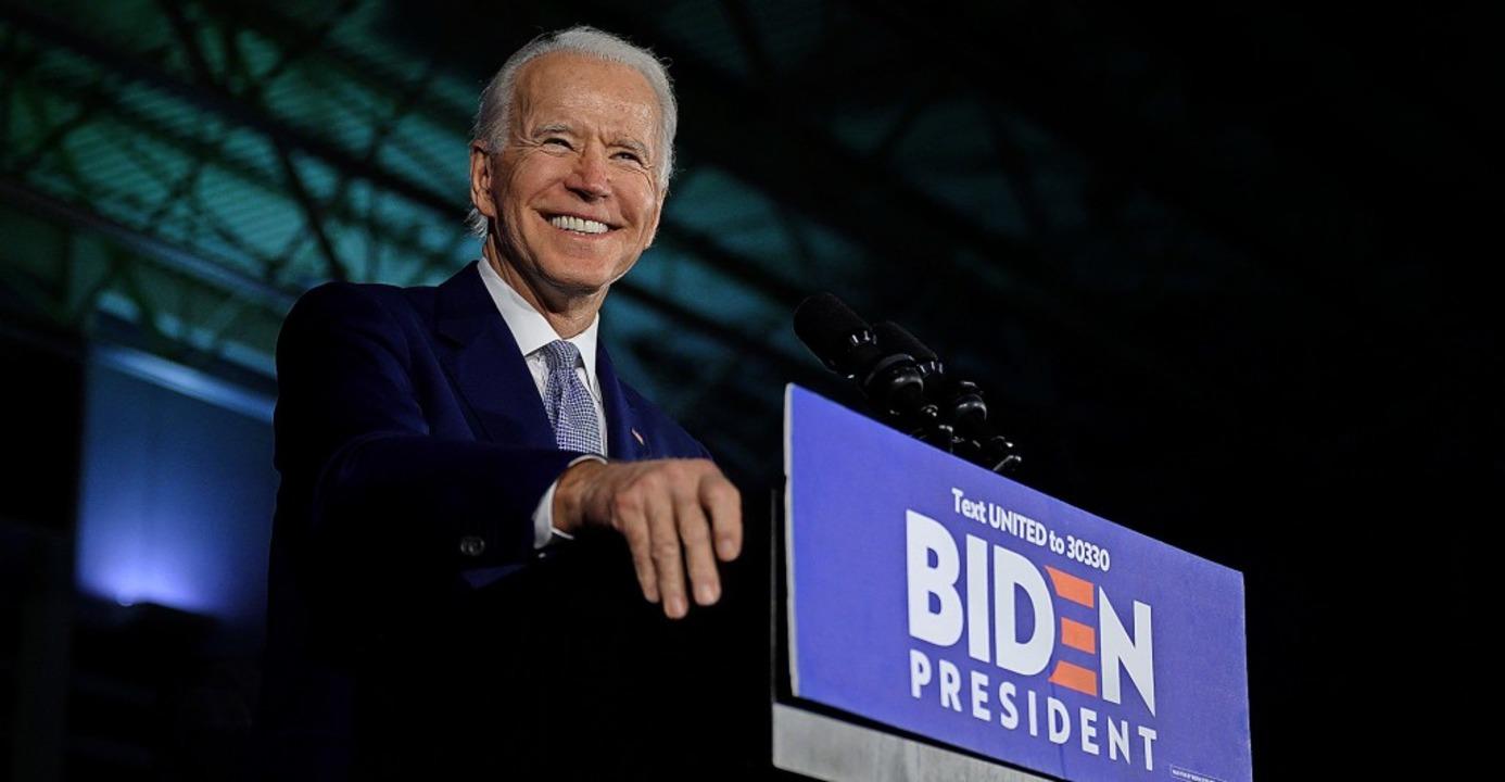 Joe Biden wirkt sympathisch und ehrlic...r mitunter auch müde und unmotiviert.   | Foto: JIM WATSON (AFP)