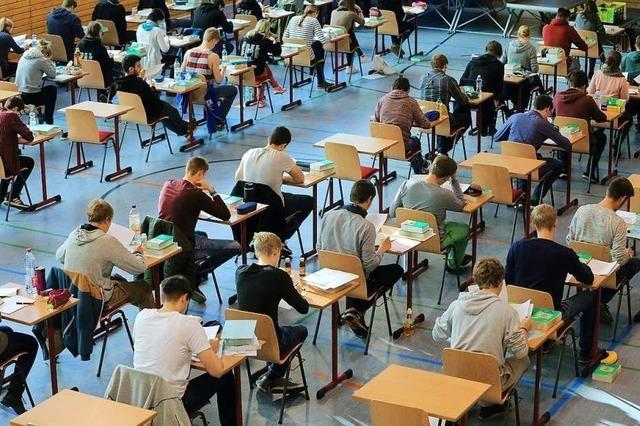 Zentrale schulische Prüfungen verschoben – Not-Unterricht läuft gut