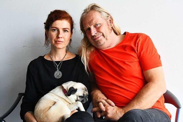 Künstlerpaar aus Weil am Rhein bespricht Werke im Internet