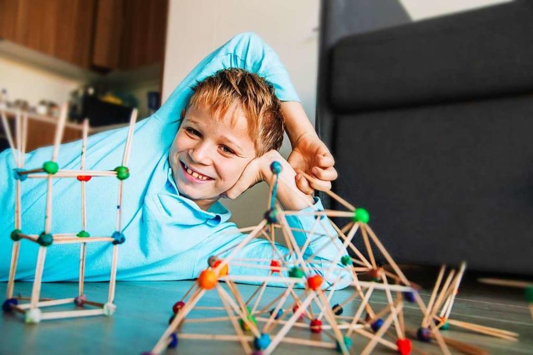 Lange Tage Mit Den Kindern Zu Hause? Spieletipps Für Daheim