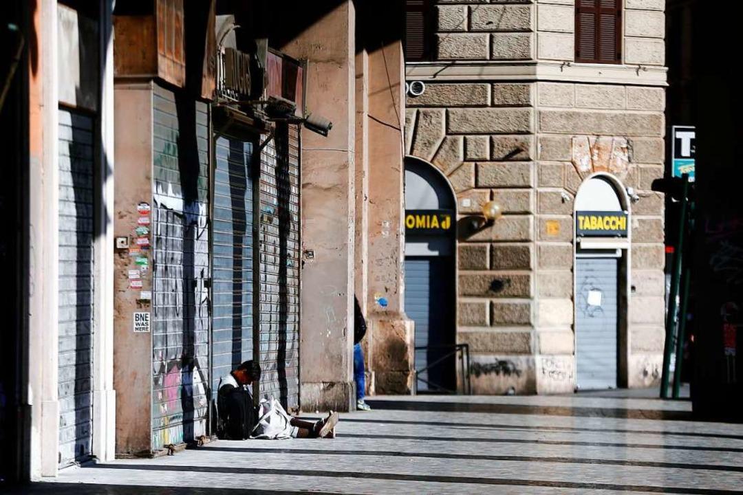 Die italienische Regierung hat im Kamp... Unternehmen und Fabriken beschlossen.    Foto: Cecilia Fabiano (dpa)