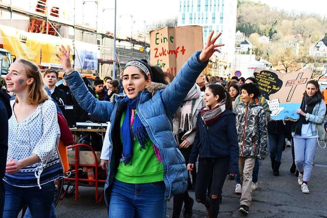 Fridays for Future-Demo in Lörrach: Di...eisen pauschalisierende Kritik zurück.  | Foto: Barbara Ruda