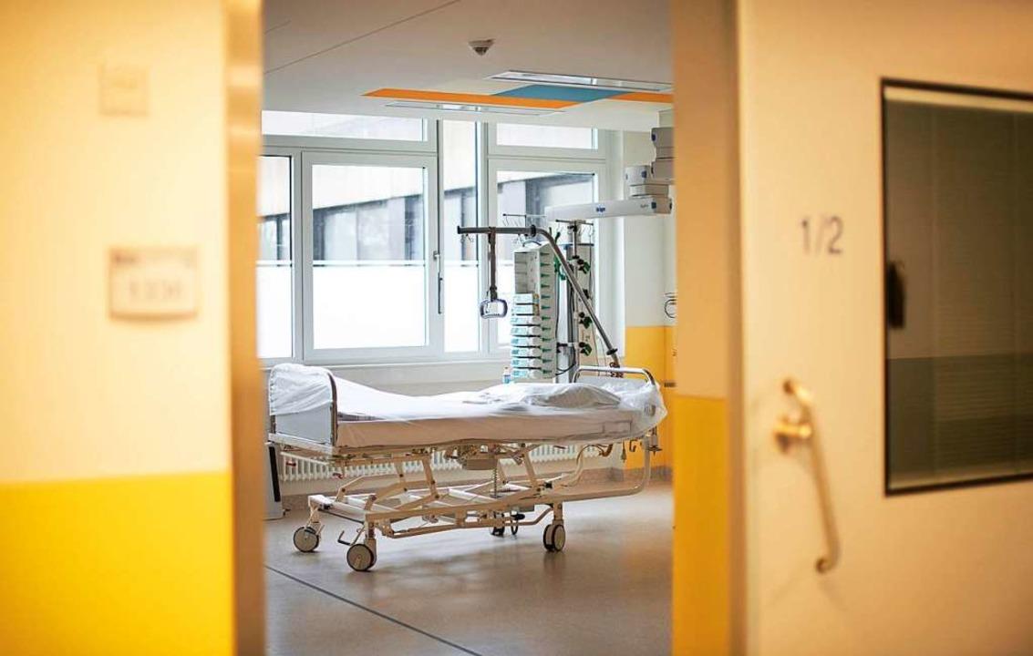 Krankenhäuser sollen mehr Intensivbetten bereitstellen (Symbolbild).  | Foto: Jonas Güttler (dpa)