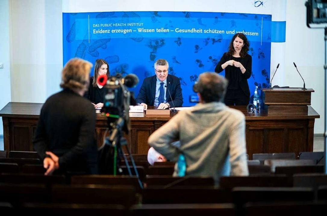 Die Pressekonferenz des RKI am Montag    Foto: Bernd von Jutrczenka (dpa)