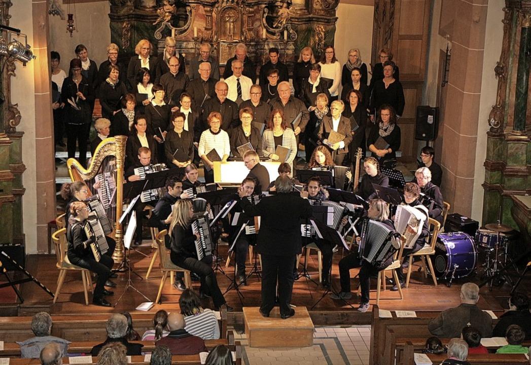 Einer der Höhepunkte der Voices of End...it Orchester im November in Endingen.   | Foto: Helmut Hassler