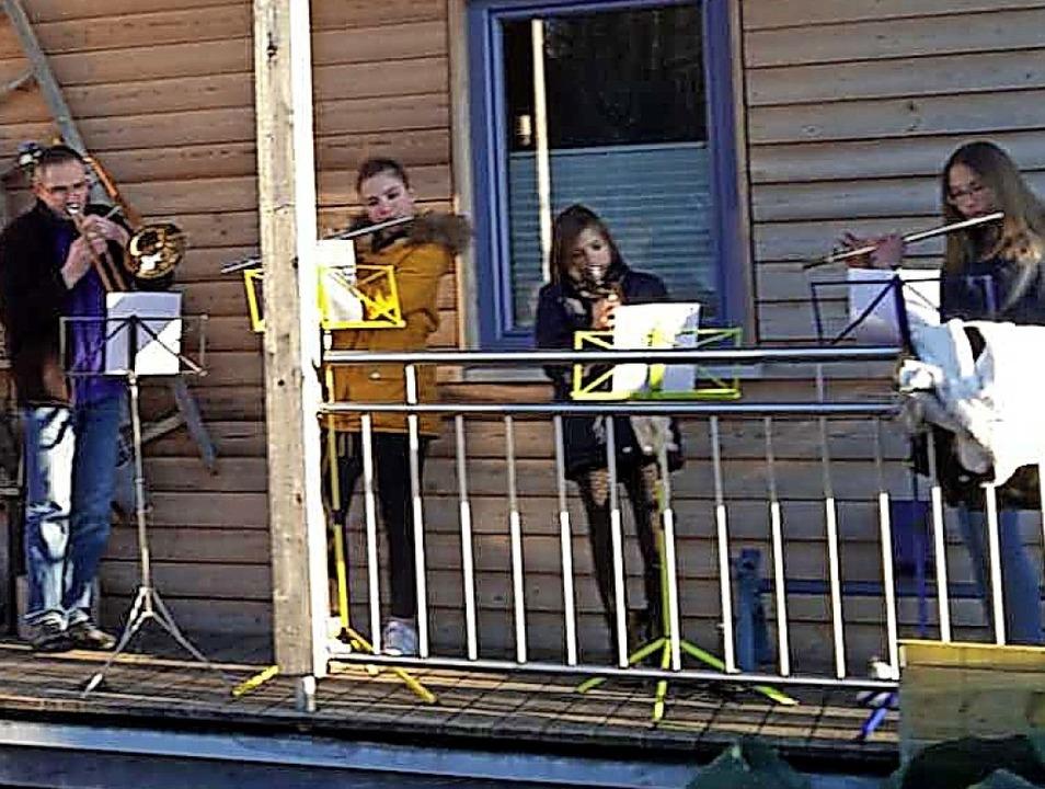 Auch Musiker der Trachtenkapelle Häuse...ligten sich an der Aktion am Sonntag.   | Foto: Trachtenkapelle Häusern