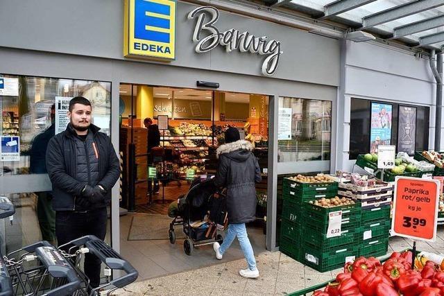 Manche Supermärkte in Freiburg haben jetzt Türsteher