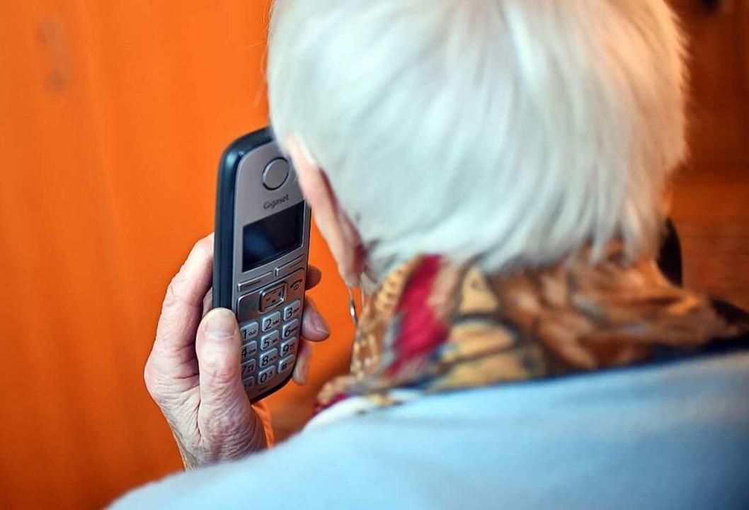 Viele Helfer sind telefonisch erreichb...und weitere Hilfsangebote (Symbolbild)  | Foto: Britta Pedersen