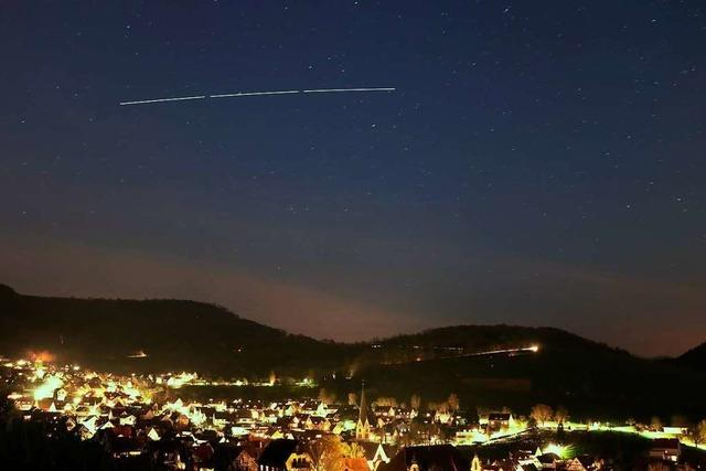 BZ-Leser fotografiert die Internationale Raumstation ISS am Himmel über Ebringen
