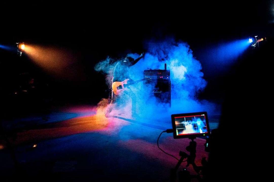 "Gitarrist Gert Endres in Aktion für de...entarfilm ""Heart and Soul""  | Foto: Punchline  Studio"