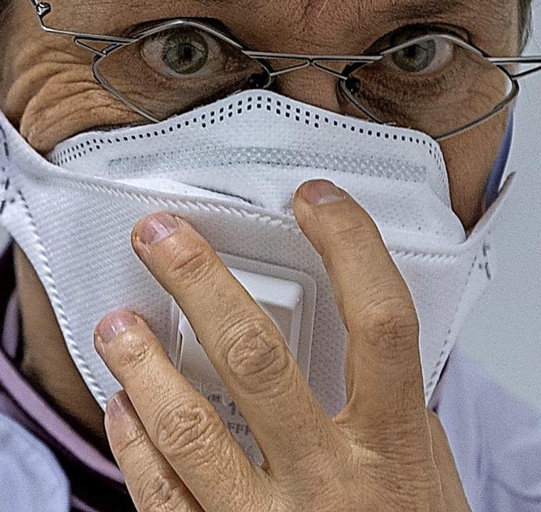 Begehrt: Atemschutzmasken  | Foto: Robert Michael (dpa)
