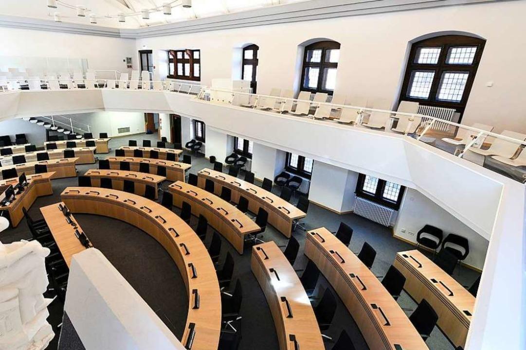 Der große Ratssaal im Innenstadt-Ratha...ch bis auf Weiteres auch nicht ändern.  | Foto: Thomas Kunz