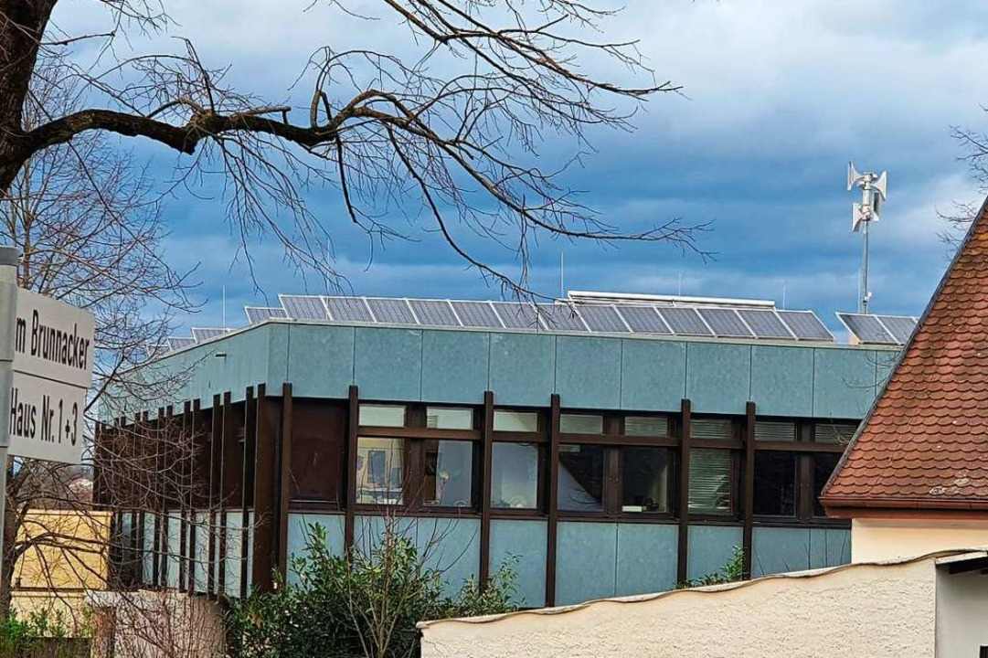 Möglichst viele PV-Anlagen auf öffentl...dach - wünscht man sich in Merzhausen.  | Foto: Julius Wilhelm Steckmeister