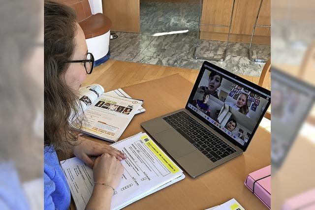 Schüler und Lehrer treffen sich im virtuellen Klassenzimmer