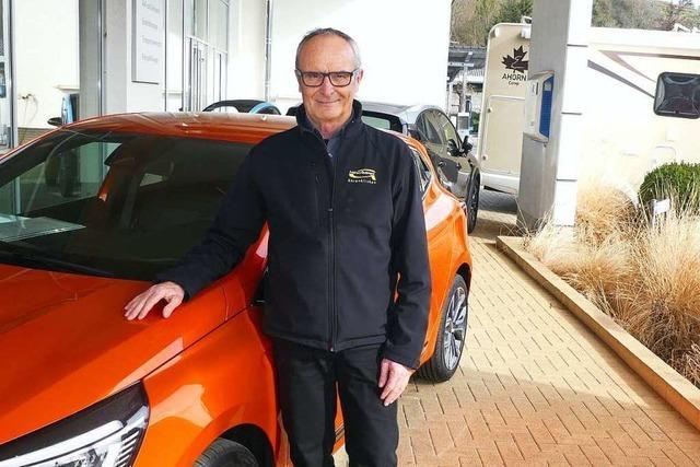 Seit 50 Jahren arbeitet Herbert Gutmann im Autohaus in Ehrenkirchen