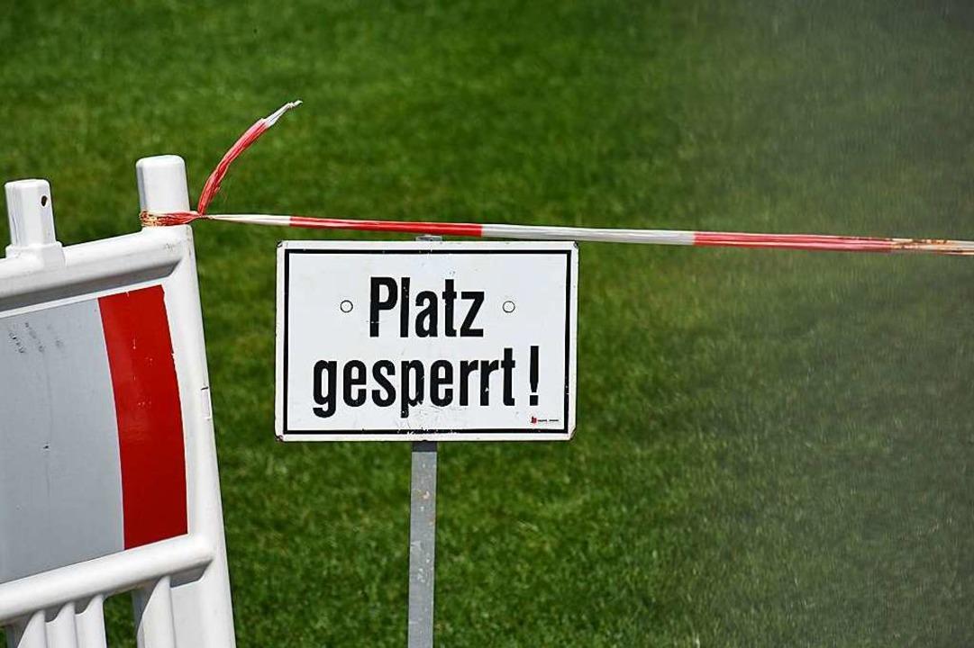 Die Fußballplätze in Ballrechten-Dottingen sind erstmal gesperrt.  | Foto: Hannes Lauber