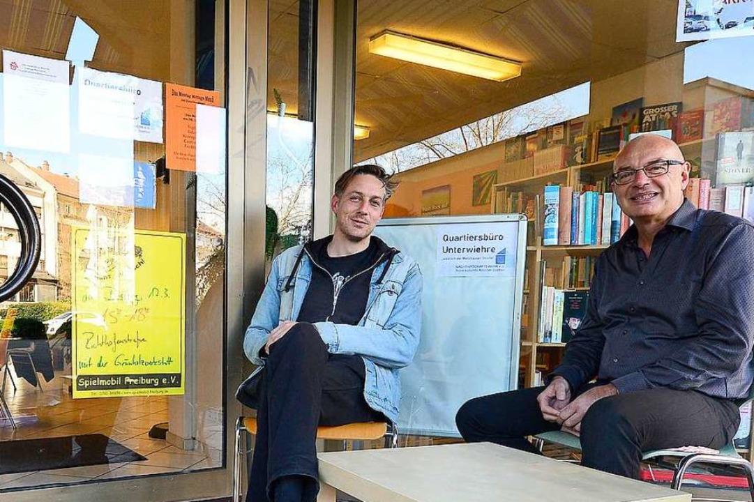 Quartiersarbeiter Ingo Heckwolf (links...swerk-Geschäftsführer Mathias Staenke.  | Foto: Ingo Schneider