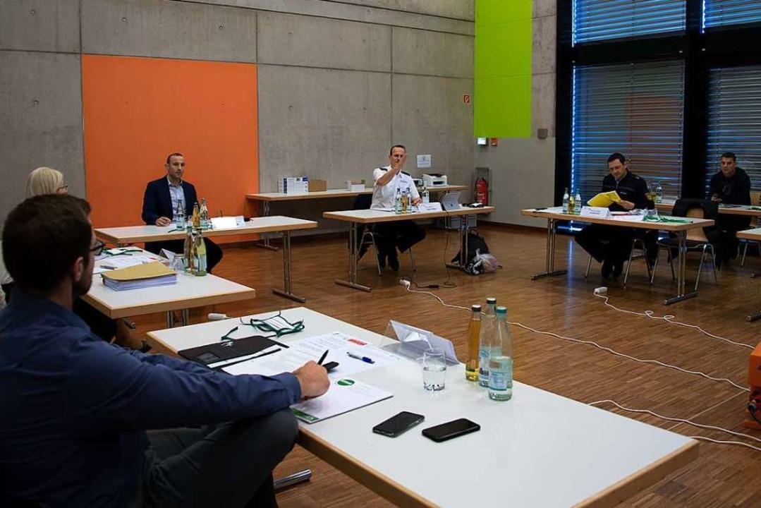 Der Verwaltungsstab tagt regelmäßig in der Malteserhalle.  | Foto: Volker Münch