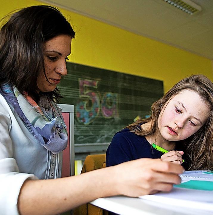 Üblicherweise helfen Schulbegleiter in der Einrichtung.    Foto: Daniel Naupold
