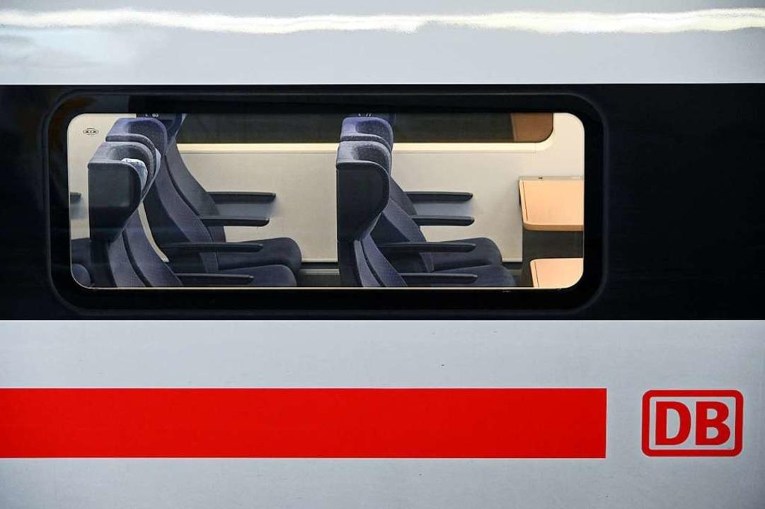 Die Bahn wird als umweltschonendes Ver...iegen 2019 in ICE- und Intercity-Züge.  | Foto: Uwe Zucchi (dpa)