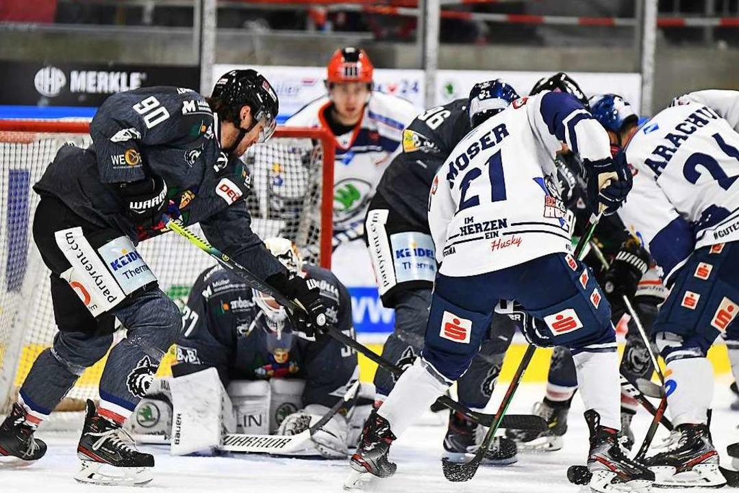 Der EHC Freiburg hier  im Spiel Ende Februar gegen die Kassel Huskies.    Foto: Achim Keller