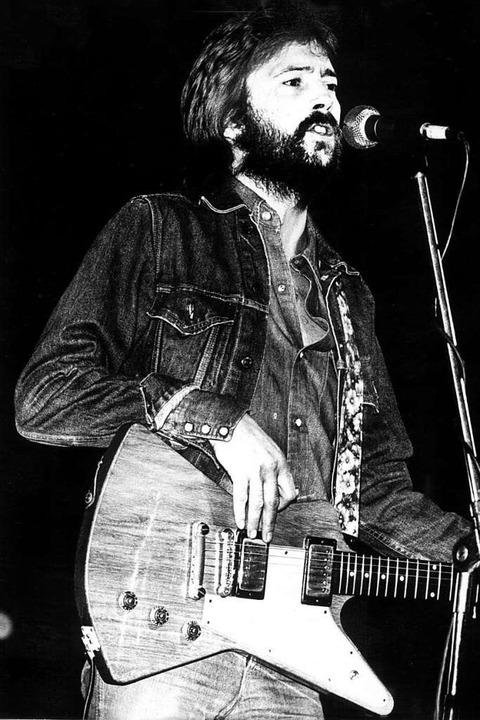 Krisen und Katastrophen, Affären und D...Songs als Lebenszeichen: Eric Clapton.  | Foto: Heidtmann (dpa)