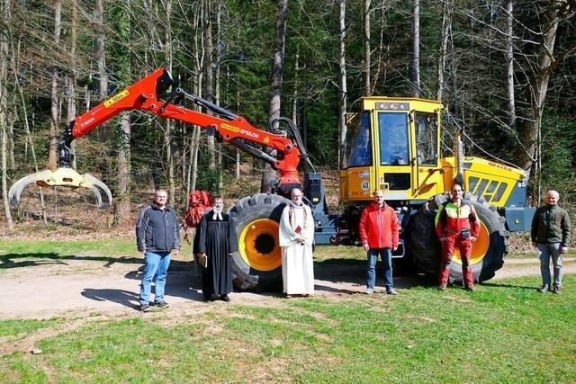 Gottes Segen für Forst und Fahrzeug – aber nur im kleinen Kreis