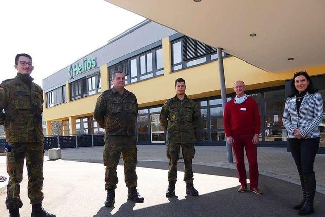 Wie Bundeswehrsanitäter in der Helios-Klinik Titisee-Neustadt helfen