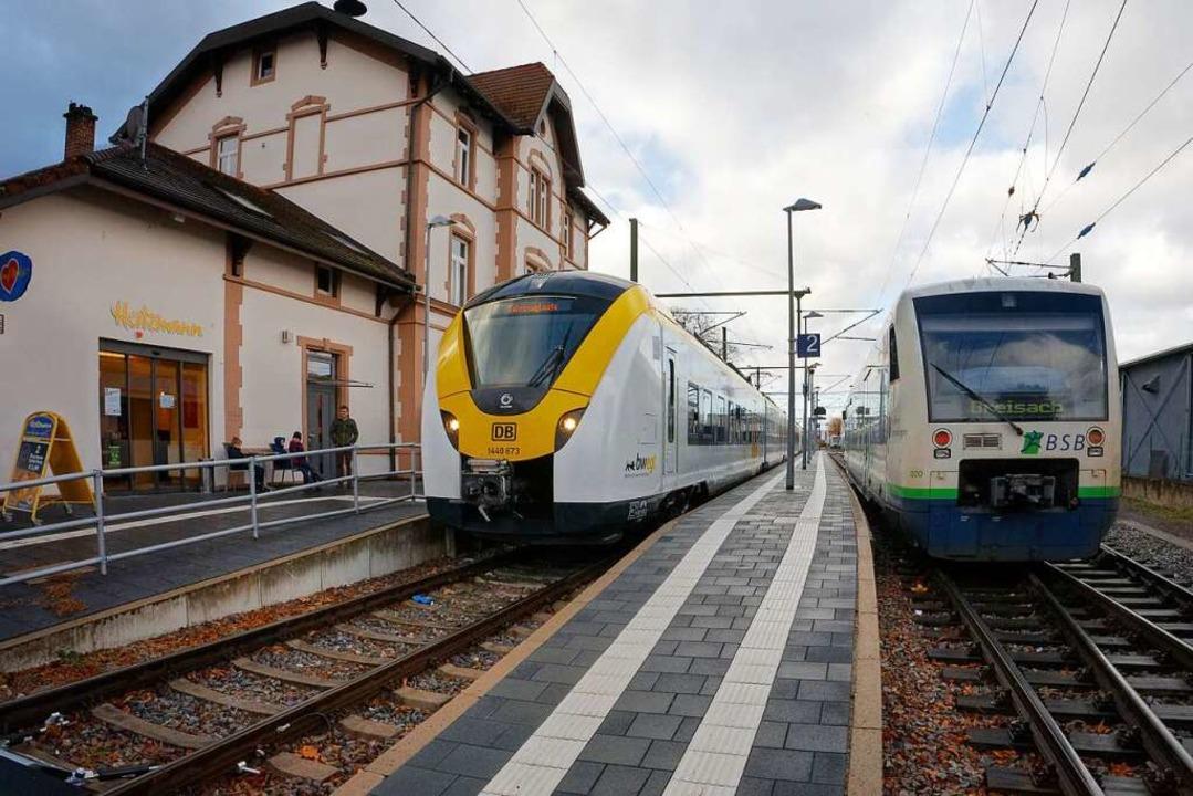 Ob DB- oder SWEG-Züge: Für Nutzer des ... ab Montag noch stärker eingeschränkt.  | Foto: Martin Wendel