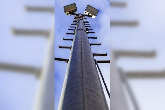 Die Flutlichtanlage wird umgerüstet