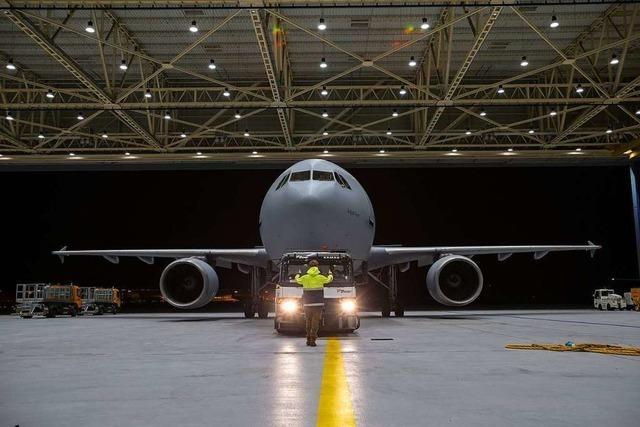 Bundeswehr fliegt an Covid-19 erkrankte Italiener nach Deutschland