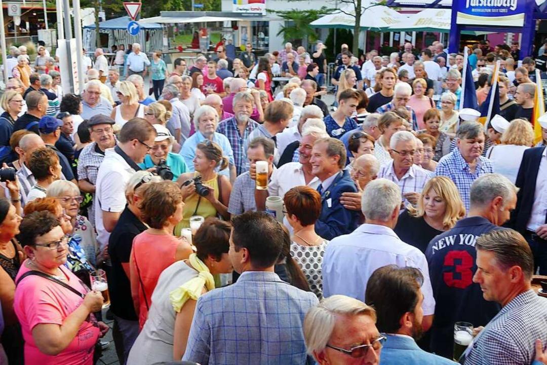 Zum Trottoirfest reisen jedes Jahr Del...auch so sein wird, weiß heute niemand.  | Foto: Ingrid Böhm-Jacob