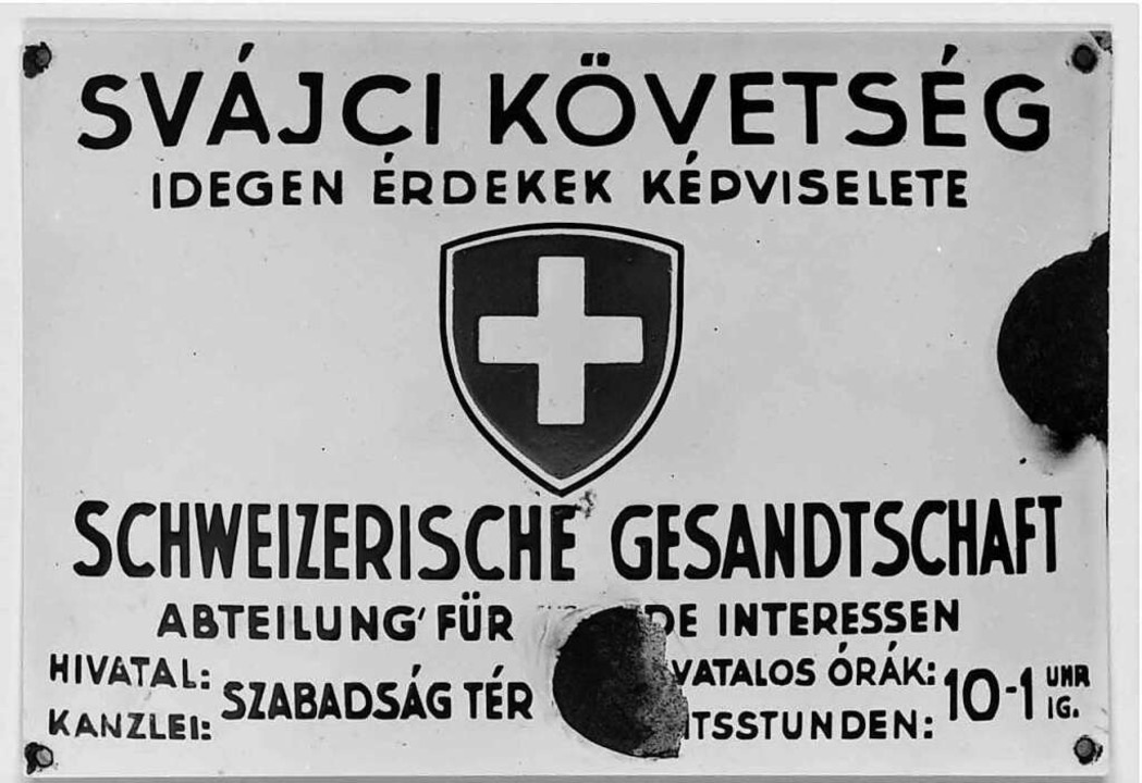 Emailleschild der Gesandtschaft in Budapest  | Foto: Archiv für Zeitgeschichte Zürich