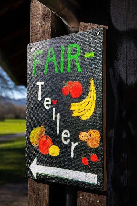 Toll gemalt: Wegweiser zum Fairteiler in Denzlingen.     Foto: Joss Andres