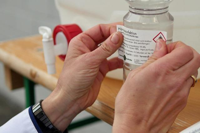 Apothekerin versorgt Firmen und Praxen mit Desinfektionsmittel