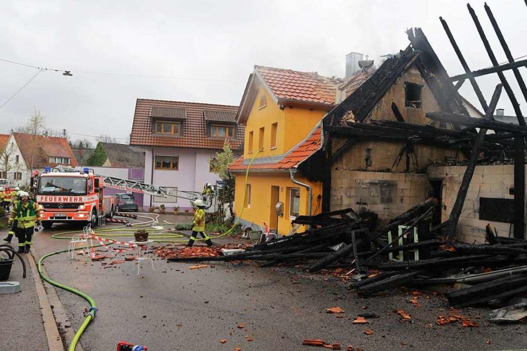 Die Scheune in Biengen wurde beim Brand vollständig zerstört.  | Foto: Alexander Huber