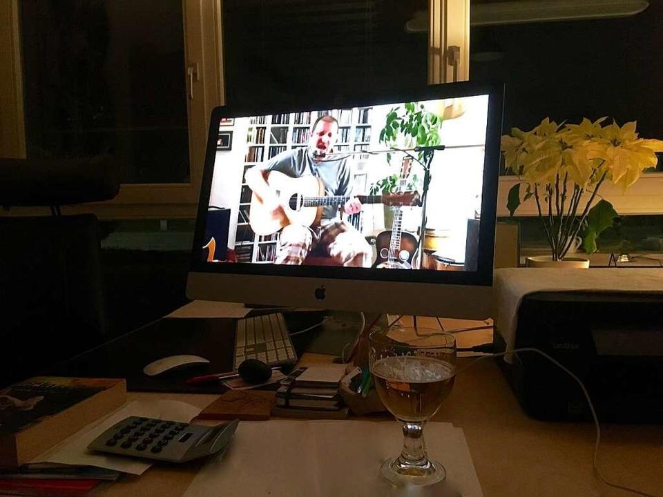 Das Konzert am Donnerstag konnten Zuhörer via Computer mitverfolgen.  | Foto: Erika Sieberts