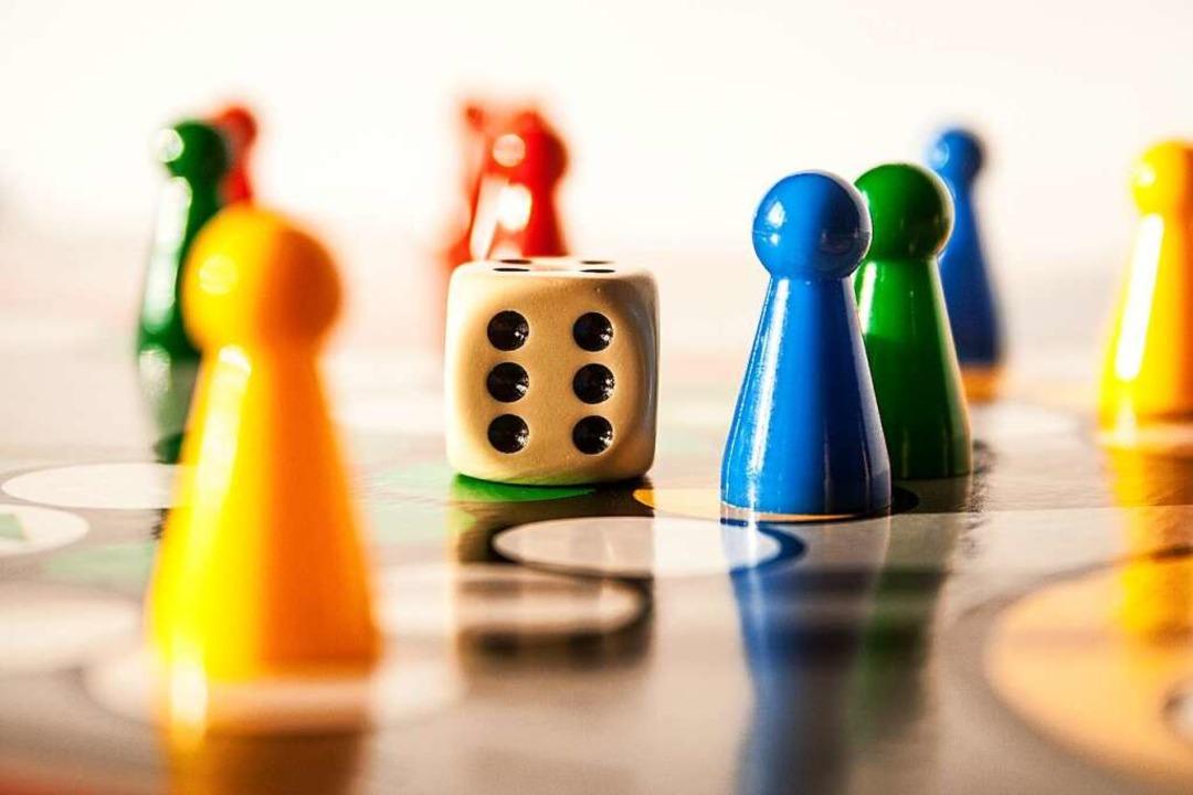Lenkt ab in der Quarantäne: eine Runde Brettspiel.  | Foto: Ewa Bednarek  stock.adobe.com