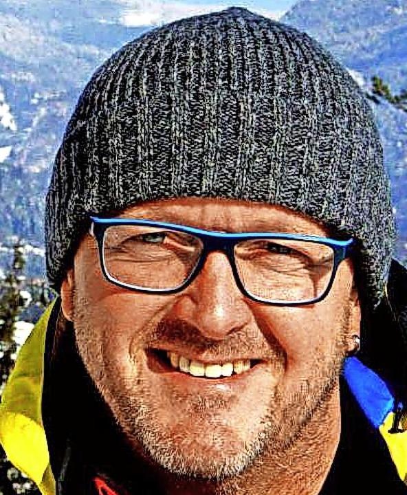 Multitalent: Skisprung-Landestrainer Rolf Schilli   | Foto: Promo