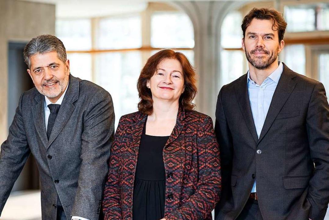 Jetzt mit Dreierspitze: Ralf Poscher, ...und Jean-Louis van Gelder (von links).  | Foto: Baschi Bender