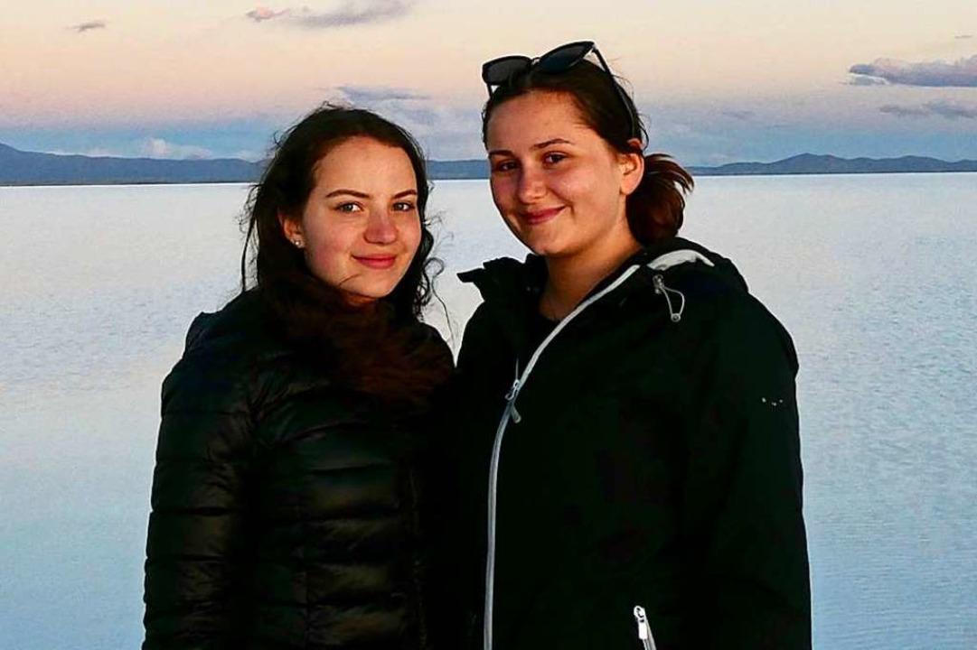 Eileen Halford (links) und Annalena Vogt, die in Peru gestrandet sind.  | Foto: Privat