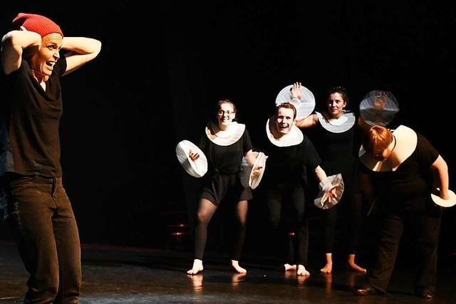 Theater Tempus fugit zeigt aufgenommene Aufführungen via Facebook