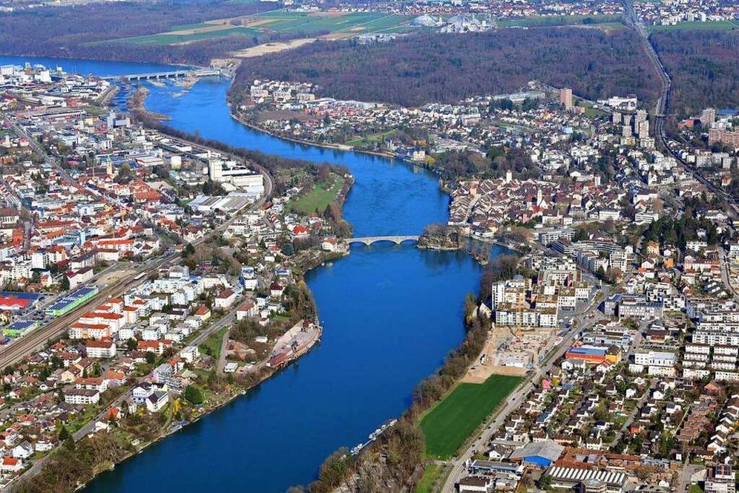 Der Rhein zwischen dem Schweizer und dem deutschen Rheinfelden.  | Foto: Erich Meyer