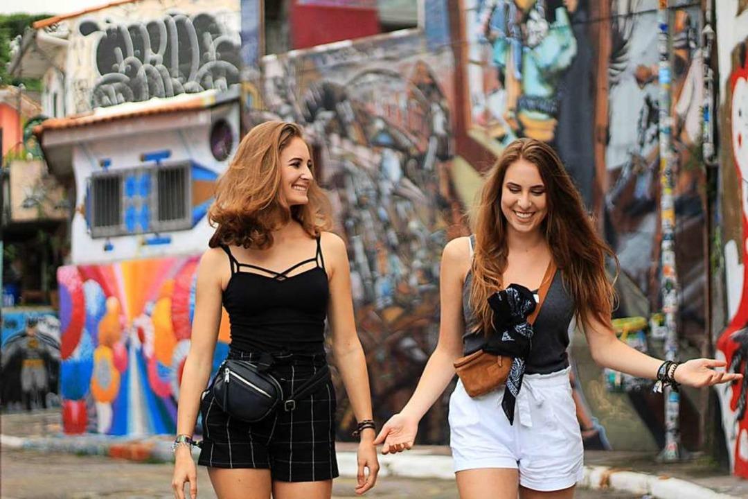 In der Batman Alley in Sao Paulo war d...na (links) und Amelie noch in Ordnung.  | Foto: rpivat