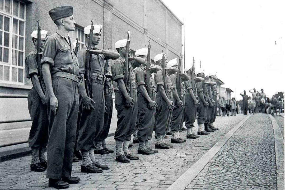 Französische und marokkanische Soldate... der Grenze zur Schweiz aufgenommen.    | Foto: Stadtarchiv