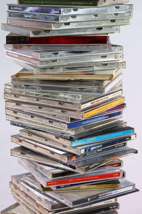 Die CD-Stapel bei Amazon schrumpfen – bis auf Weiteres.  | Foto: fotolia.com/artpost