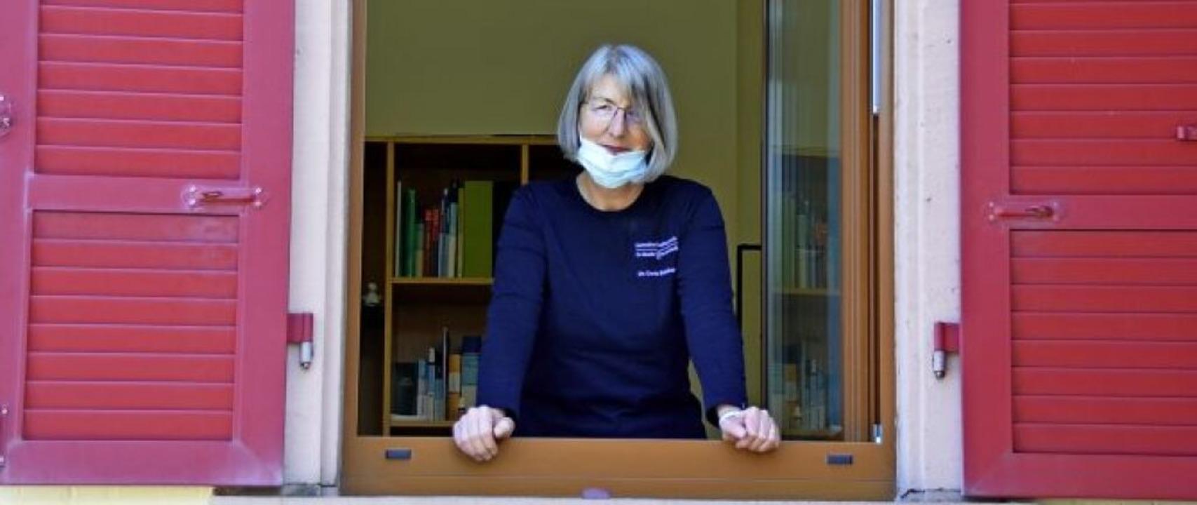 Die Devise der Ärztin Doris Reinhardt:...ten und sich schützen, wo es nur geht!  | Foto: hrö