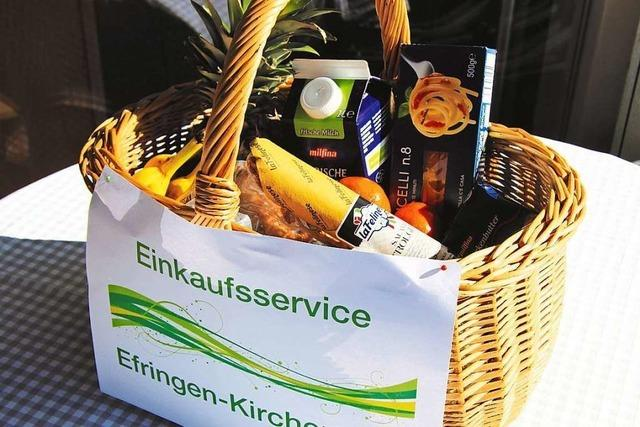 Fußballer des TuS Efringen-Kirchen kaufen für Senioren ein